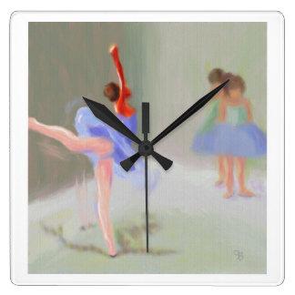 På baletten fyrkantig klocka