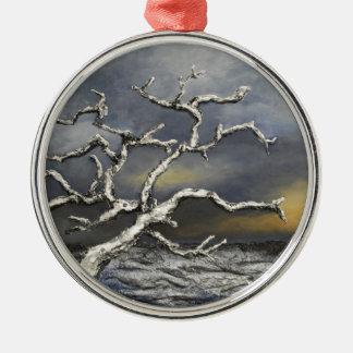 På kanten av stormen av konstnären Alison Galvan Julgransprydnad Metall