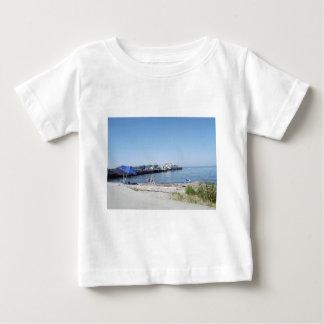 På stranden tee shirts