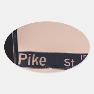 På tränga någon av Pike Ovalt Klistermärke