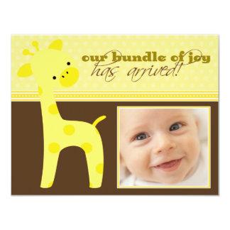 Packe av meddelandet för glädjegirafffödelse anpassade inbjudan