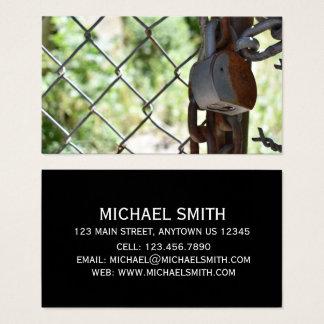 Padlocken låser kedjar anknyter staket NYC Urban Visitkort