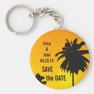 Palmträdbröllop spara datum Keychain Rund Nyckelring