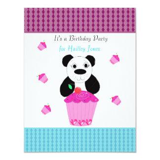 Pandabjörn med muffinsfödelsedagsfest inbjudan