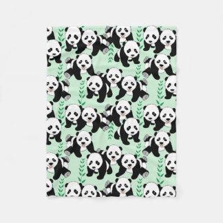 Pandaen uthärdar det grafiska mönster fleecefilt