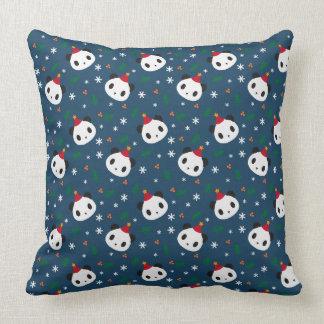 Pandas julafton kudde