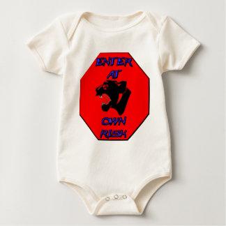 Panterstoppet undertecknar body för baby