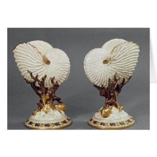 Para av Worcester vaser som formas som nautilusen Hälsningskort