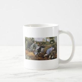 Parabel av blinden av Pieter Bruegel fläderen Kaffemugg