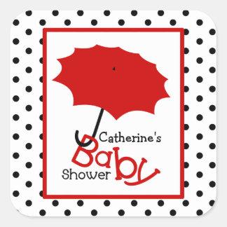 Paraply & polka dots för baby shower rött fyrkantigt klistermärke