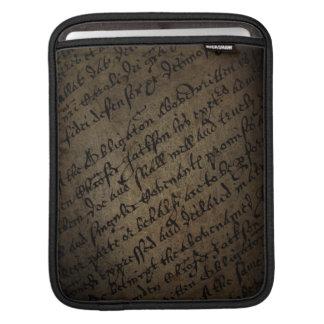 Parchmenttext med antik handstil, gammalt papper iPad sleeve