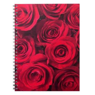 Passionröd rosbukett anteckningsbok