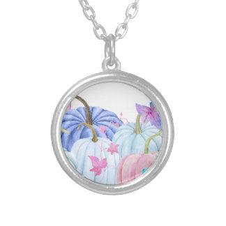 Pastellfärgad pumpa för vattenfärg och blom- ram silverpläterat halsband
