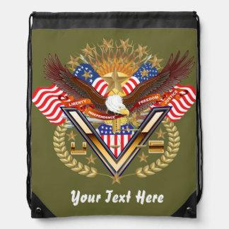 Patriotisk ryggsäck? Stranden hänger lös? Gympapåse