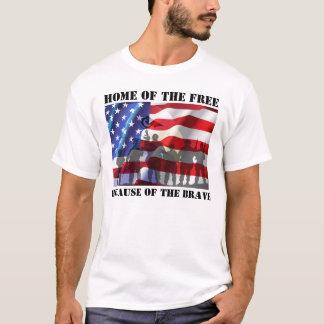 Patriotiskt hem av det fritt på grund av tee shirt