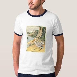 Pelikan på stranden tshirts