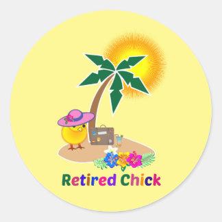 Pensionerad chick på semester runt klistermärke