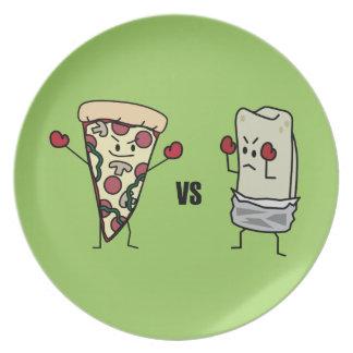 PeperoniPizza VS burritoen: För mexikan italienare Tallrik