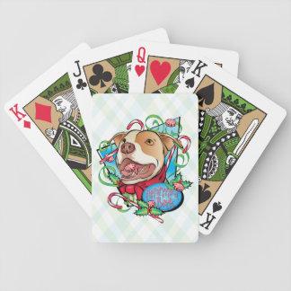 Pepparmintskäll som leker kort spelkort
