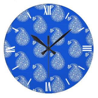 Perser belägger med tegel paisley - vit på blått stor klocka