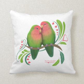 Persikan vände mot love birds kudde