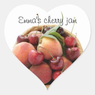 persikor och körsbärsyltklistermärkear hjärtformat klistermärke