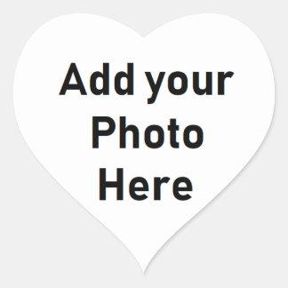 Personifierade lilla klistermärkear för hjärtformat klistermärke