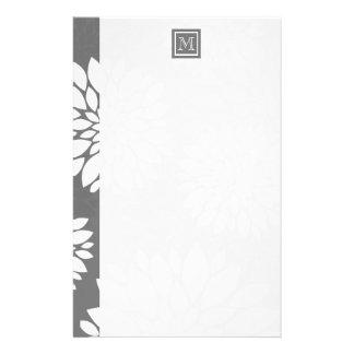 Personifierar samtidaa blommor för vit det brevpapper