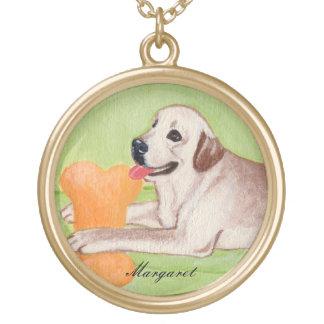 Personlig gula Labrador på den gröna soffan Guldpläterat Halsband