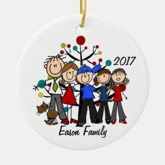 Personligfamilj av fem med den bruna katten julgransprydnad keramik