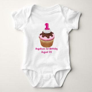 Personligflicka födelsedag för muffin tshirts