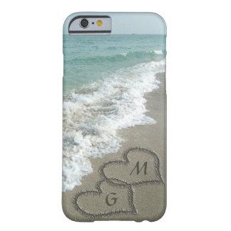 PersonligSandhjärtor på stranden Barely There iPhone 6 Skal