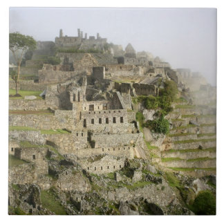 Peru Machu Picchu. Den forntida citadelen av Machu Kakelplatta