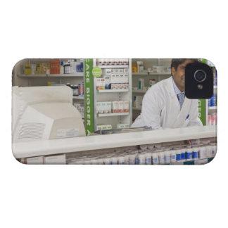 Pharmacist i ett apotek iPhone 4 Case-Mate case