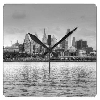 Philadelphia horisont i svartvitt fyrkantig klocka