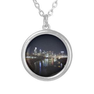 Philadelphia horisont på natten silverpläterat halsband