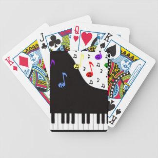Pianot stämm & noterar spelkort