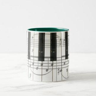 Pianotangentbord och musik noter Två-Tonad mugg