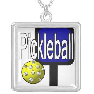 Pickleball med boll och paddlar designbilden silverpläterat halsband