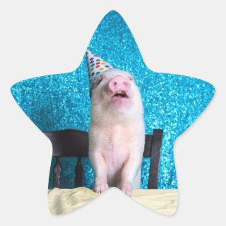 Piggy födelsedagklistermärkear! stjärnformat klistermärke