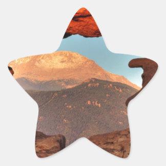 Pikes nå en höjdpunkt till och med sandstenhål 02 stjärnformat klistermärke