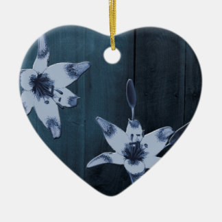 Pilblåttblomma Hjärtformad Julgransprydnad I Keramik