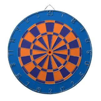 Pilen stiger ombord: Orange, marin och blått Darttavla