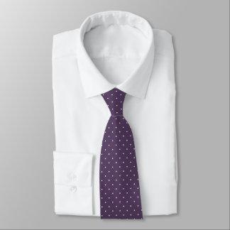 pindots på den moderiktiga purpurfärgade plommonet slips