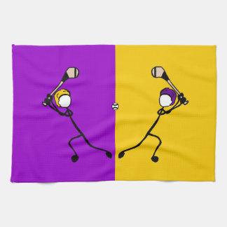 Pinne med sporten Purple&Gold Wexford som slungar Kökshandduk