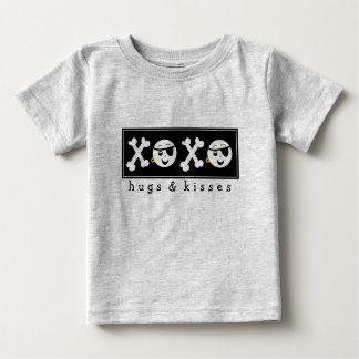 Piratbaby XOXO T-shirt