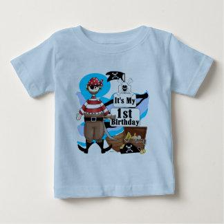 Piratkopiera 1st födelsedagT-tröja och gåvor Tee Shirts