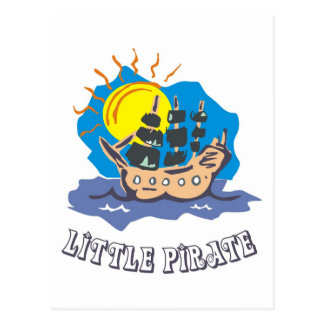 Piratkopiera lite småbarn på en segelbåt på havet vykort