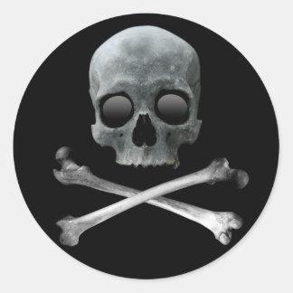 Piratskalle och Crossbones Runt Klistermärke