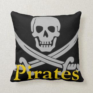 Piratskalle och svärddekorativ kudde